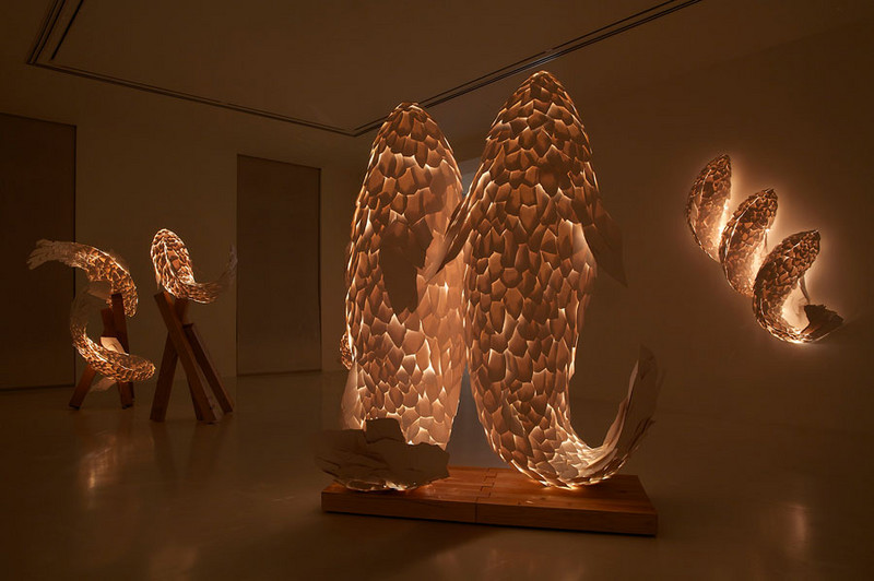 Frank gehry frank gehry fish lamps installation view photo by thierry depagne