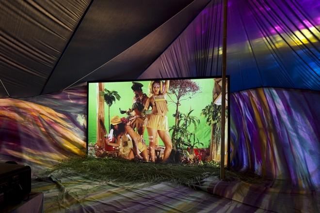 Melanie Bonajo at Frankfurter Kunstverein Frankfurt - Artmap com